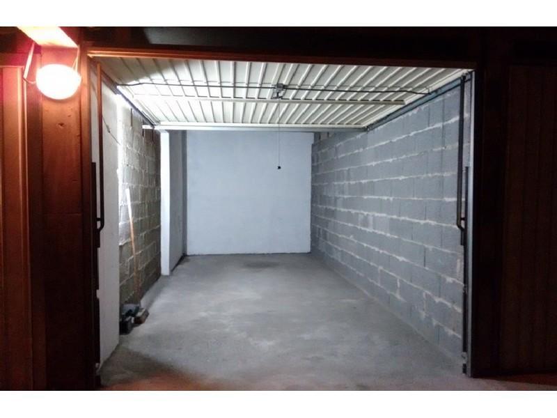 location de box le pecq 29 rue victor hugo. Black Bedroom Furniture Sets. Home Design Ideas