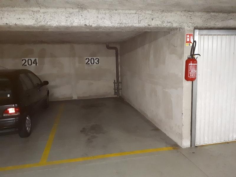 place de parking louer antony 46 avenue gabriel p ri. Black Bedroom Furniture Sets. Home Design Ideas