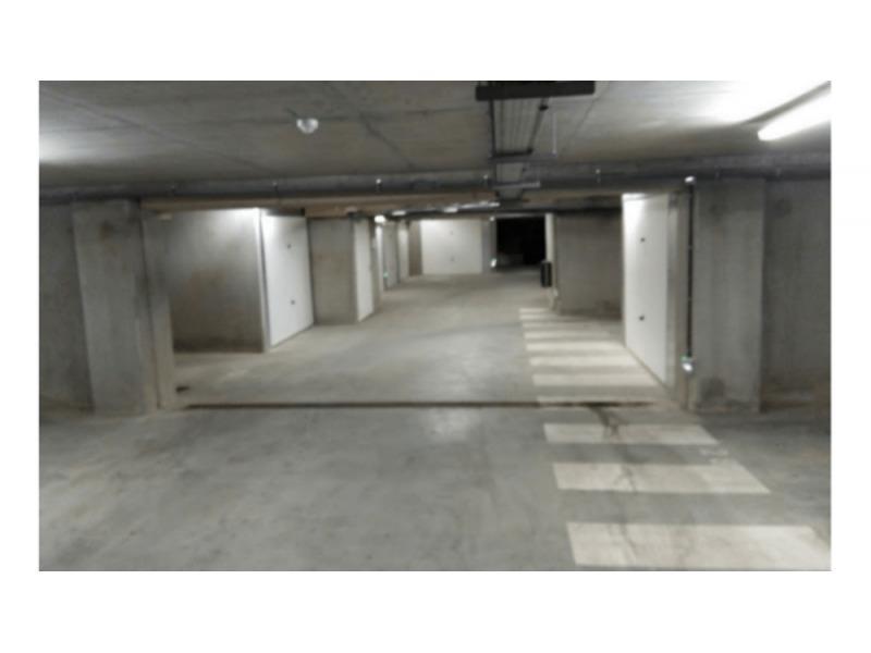 parking louer nantes 110 rue des bourdonni res. Black Bedroom Furniture Sets. Home Design Ideas