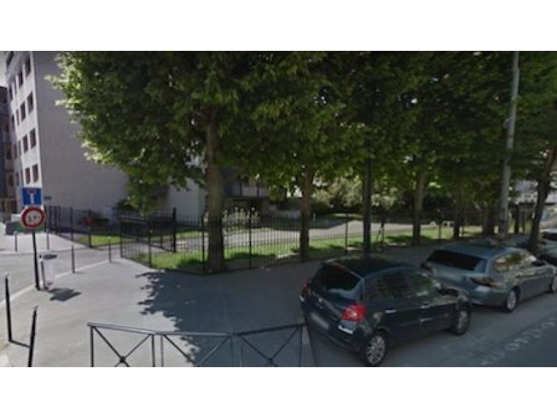 place de parking louer clichy 15 rue bonnet. Black Bedroom Furniture Sets. Home Design Ideas