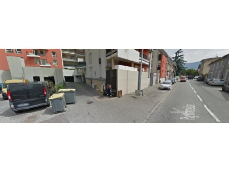 location de parking chamb ry 851 faubourg montm lian. Black Bedroom Furniture Sets. Home Design Ideas