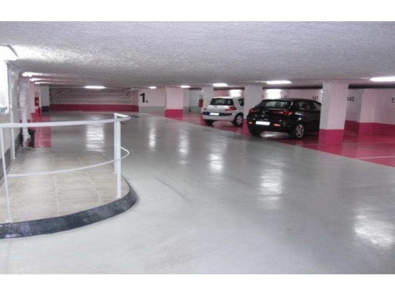 Abonnement Parking OnePark 60 Rue de Ponthieu, 75008 Paris, France
