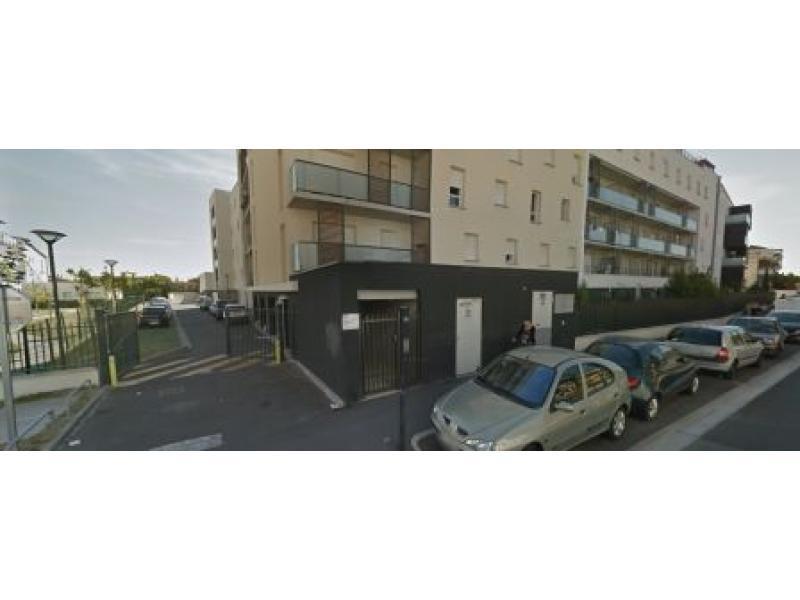 place de parking louer toulouse 31200 74 rue ernest renan toulouse france. Black Bedroom Furniture Sets. Home Design Ideas