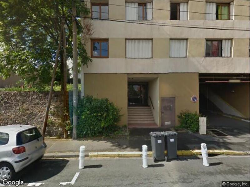 location de parking clermont ferrand leon blum la raye. Black Bedroom Furniture Sets. Home Design Ideas