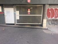 Place de parking à louer - Marseille 13006 - 122 Rue Breteuil, 13006 Marseille, France - 120 euros