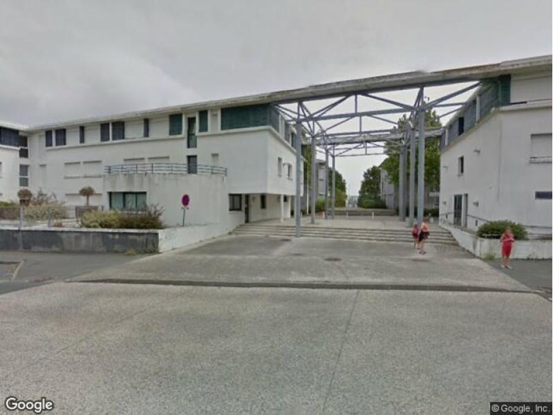 place de parking louer la rochelle 26 rue de la d sir e. Black Bedroom Furniture Sets. Home Design Ideas