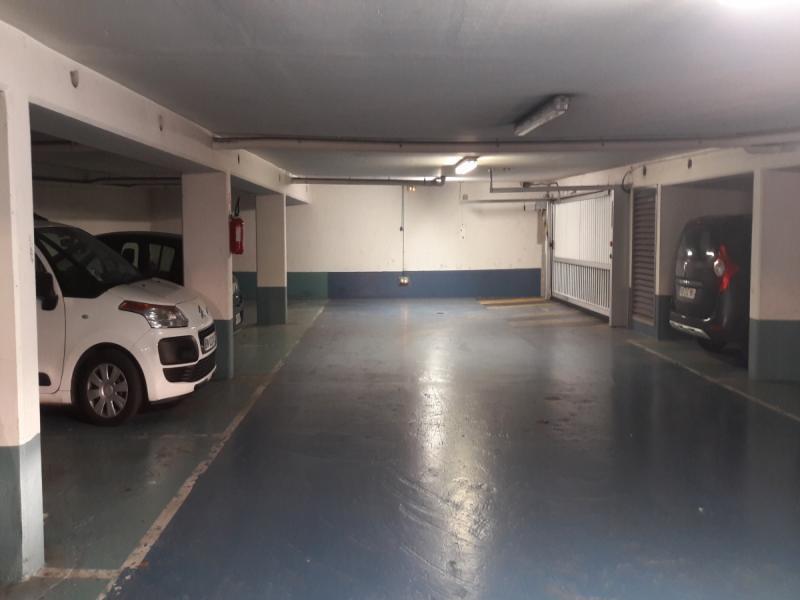 place de parking louer montrouge 92120 2 square des combattants d 39 afrique du nord. Black Bedroom Furniture Sets. Home Design Ideas