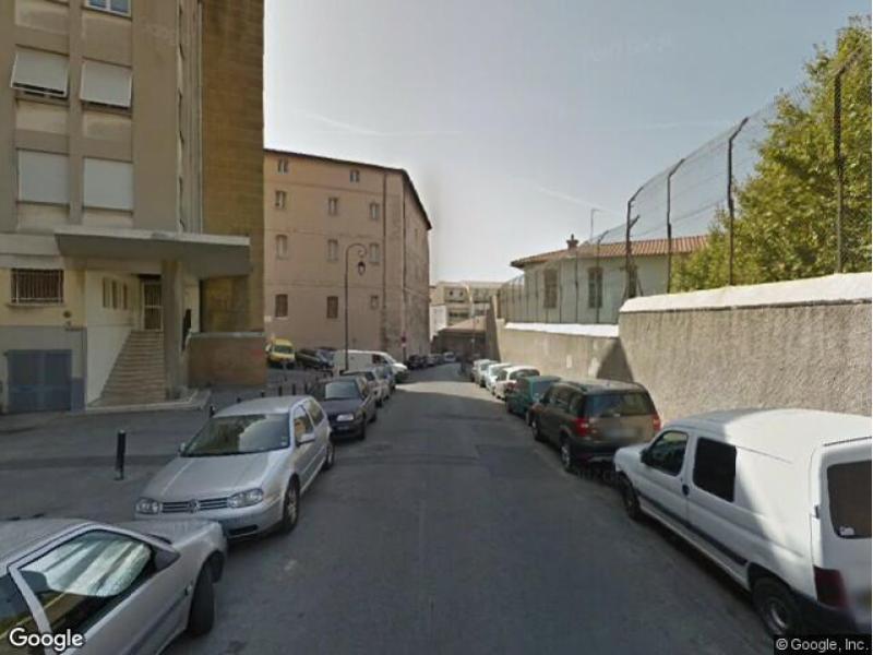 Place de parking louer marseille 13002 11 rue trigance for Garage rue roux de brignoles marseille