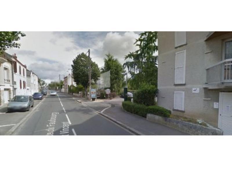 Place de parking louer orl ans 45000 30 41 euros 9 cit la renardi re orl ans france - Location utilitaire orleans ...