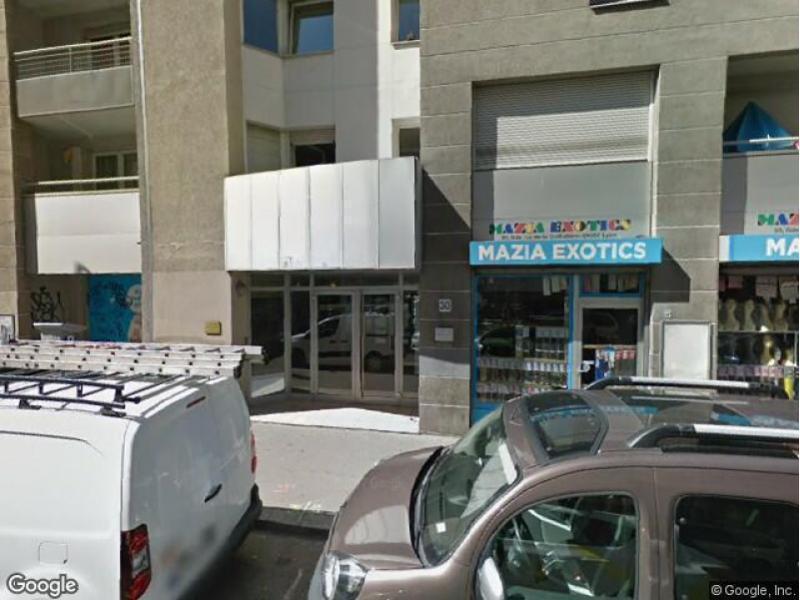 place de parking louer lyon 69007 30 grande rue de la guilloti re. Black Bedroom Furniture Sets. Home Design Ideas