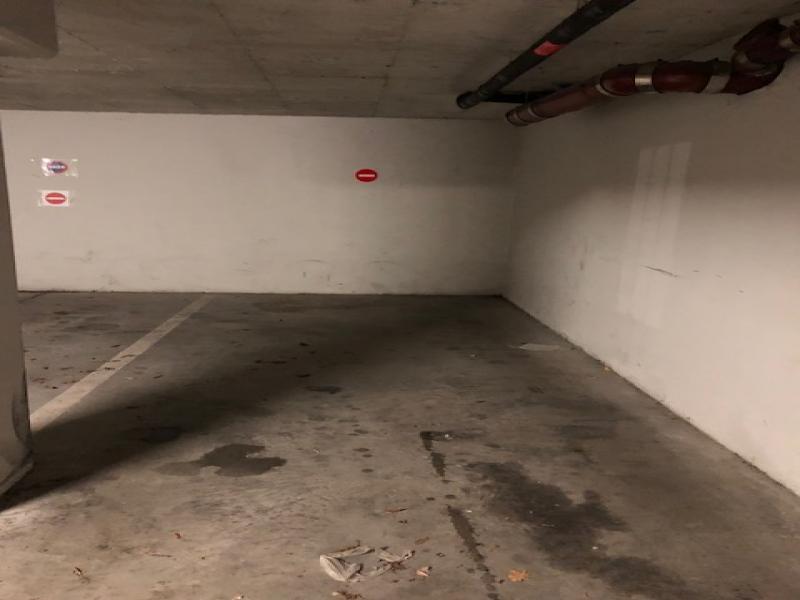 place de parking louer strasbourg 4 rue de sarrebourg. Black Bedroom Furniture Sets. Home Design Ideas