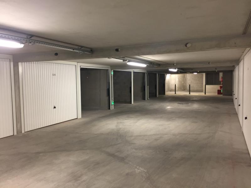 Place de parking louer marseille 13006 rue perrin for Garage securise a louer