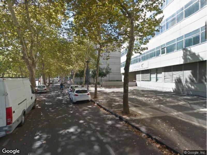Place de parking louer montpellier 10 rue frimaire for Location garage montpellier