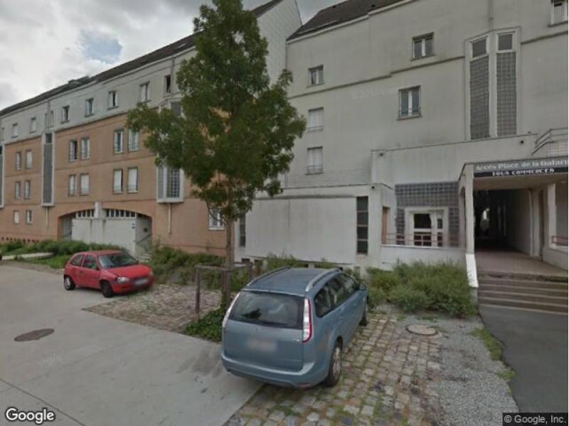 place de parking louer nantes 8 rue pitre de l 39 isle du dreneuc. Black Bedroom Furniture Sets. Home Design Ideas