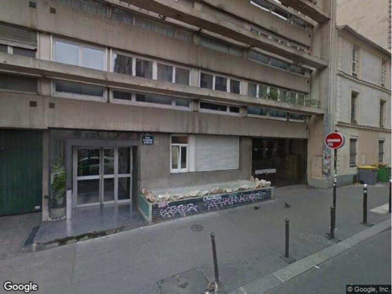 Place de parking à louer - Paris 75010 - 15 Rue Eugène Varlin, 75010 Paris, France - 120 euros