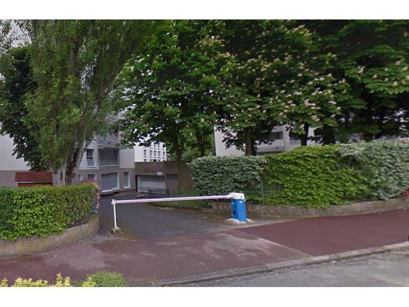 Place de parking à louer - Garches 92380 -  - 61,44 euros - 27 Rue du 19 Janvier,  Garches, France