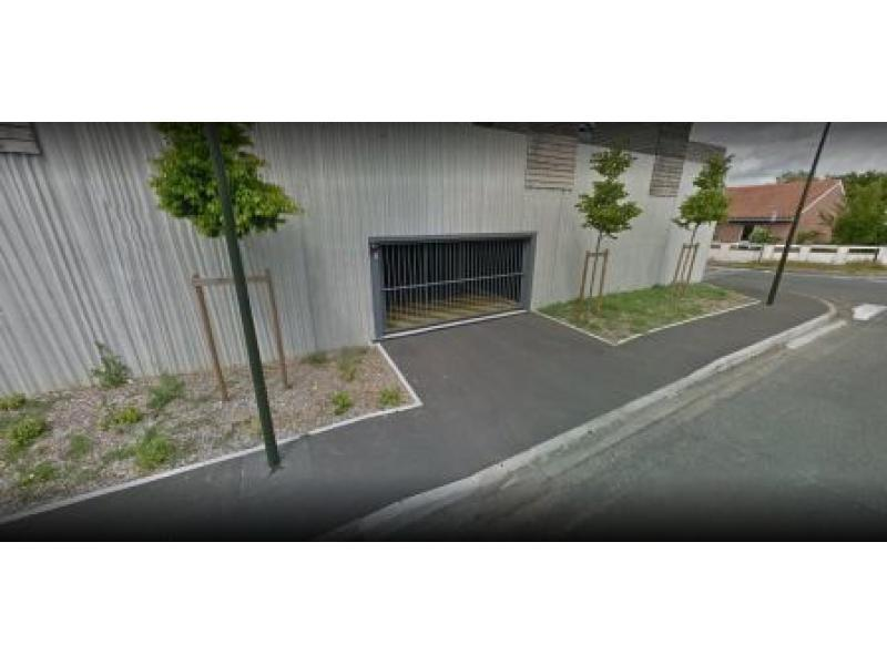 Place de parking à louer - Bègles 33130 -  - 30 euros - 2 Rue Pierre Laroche,  Bègles, France
