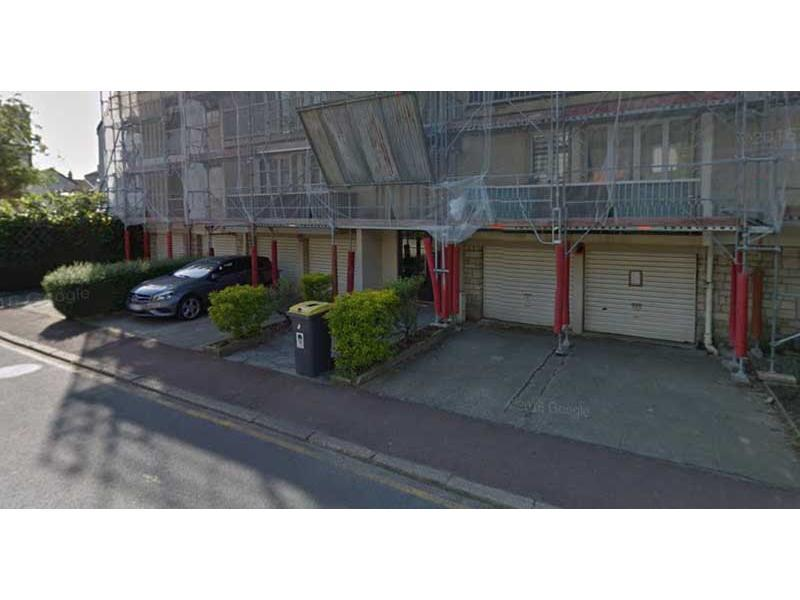 Place de parking à louer - Vaucresson 92420 -  - 47,47 euros - 12 Rue des Fonds Huguenots,  Vaucresson, France