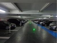 Place de parking à vendre - Paris 75008 - 18 Avenue Hoche, 75008 Paris, France - 36750 euros
