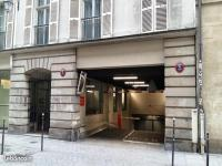 Place de parking à louer - Paris 75003 -  - 150 euros - 6 Rue des Haudriettes, 75003 Paris, France