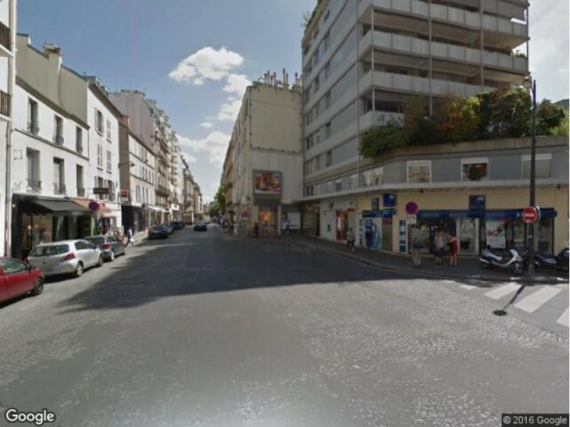 Place de parking à louer - Paris 75016 - Rue de Passy, 75016 Paris, France - 250 euros