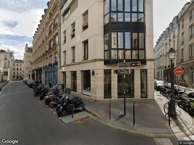 Place de parking à louer - Paris 75003 - 2 Rue de Thorigny, Paris 3e Arrondissement, Île-de-France, France - 200 euros