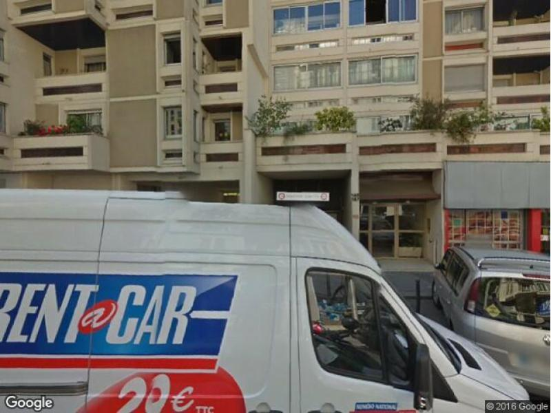 Place de parking à louer - Paris 75018 - 165 Rue Marcadet, 75018 Paris, France - 130 euros