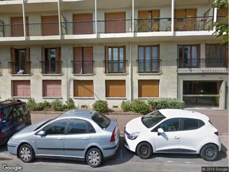 Saint maur des foss s la pie place de parking louer for Garage place des marronniers saint maur