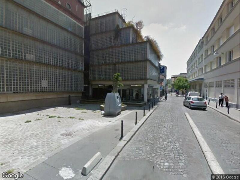 place de parking louer saint denis rue des chaumettes. Black Bedroom Furniture Sets. Home Design Ideas
