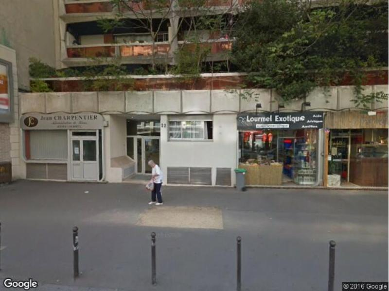 Place de parking à louer - Paris 75015 - 22 Rue de Lourmel, 75015 Paris, France - 120 euros