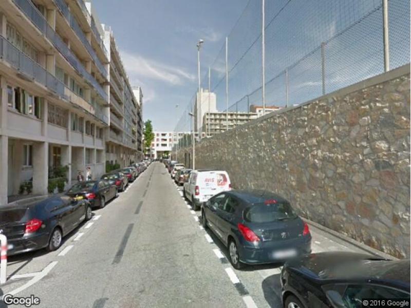 Marseille 7 vallon des auffes location de place de parking for Garage moto marseille