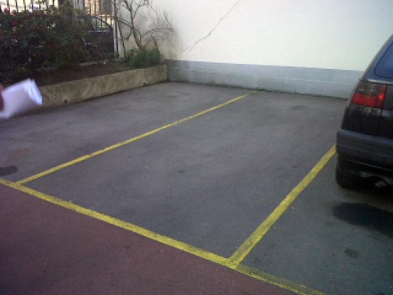 Place de parking à louer - Paris 20 - Gambetta