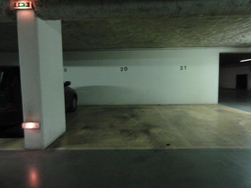 place de parking louer issy les moulineaux 92130 mairie. Black Bedroom Furniture Sets. Home Design Ideas