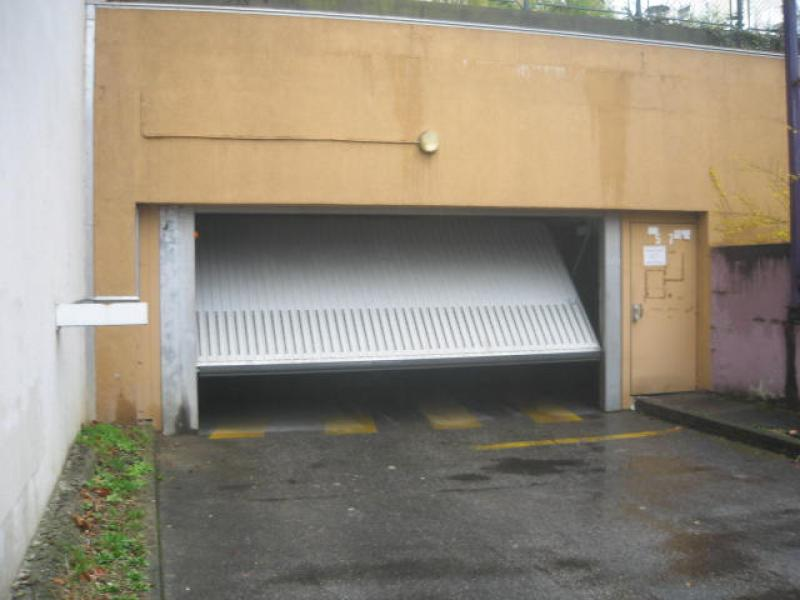 Location de garage villeurbanne parc de la t te d 39 or for Garage rue des bienvenus villeurbanne