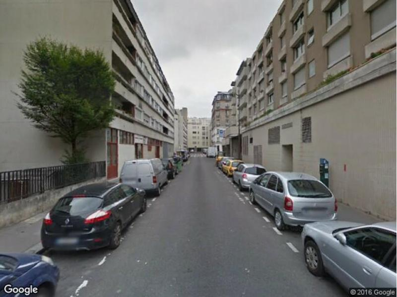 Place de parking à louer - Paris 75018 - Rue Lagille, 75018 Paris, France