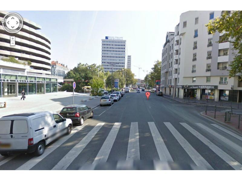 place de parking louer lyon 3 halle paul bocuse. Black Bedroom Furniture Sets. Home Design Ideas