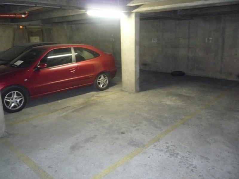 Location de parking paris 10 belleville buttes chaumont for Garage oberkampf parking