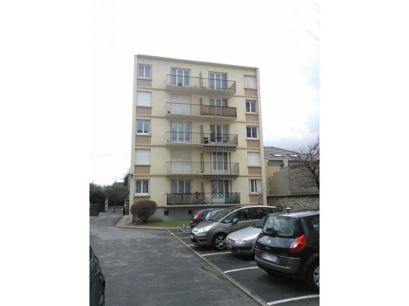 Place de parking louer saint maur des foss s 43 for Garage place des marronniers saint maur