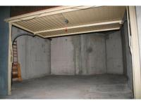 Location parking rue michel ange montpellier garage for Garage a louer box ferme