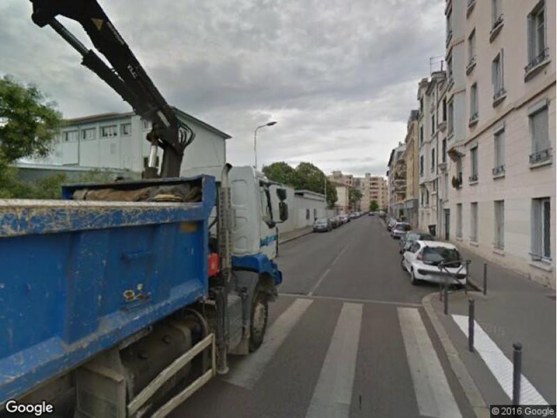 Lyon 3 dauphine montluc place de parking louer for Achat box garage lyon
